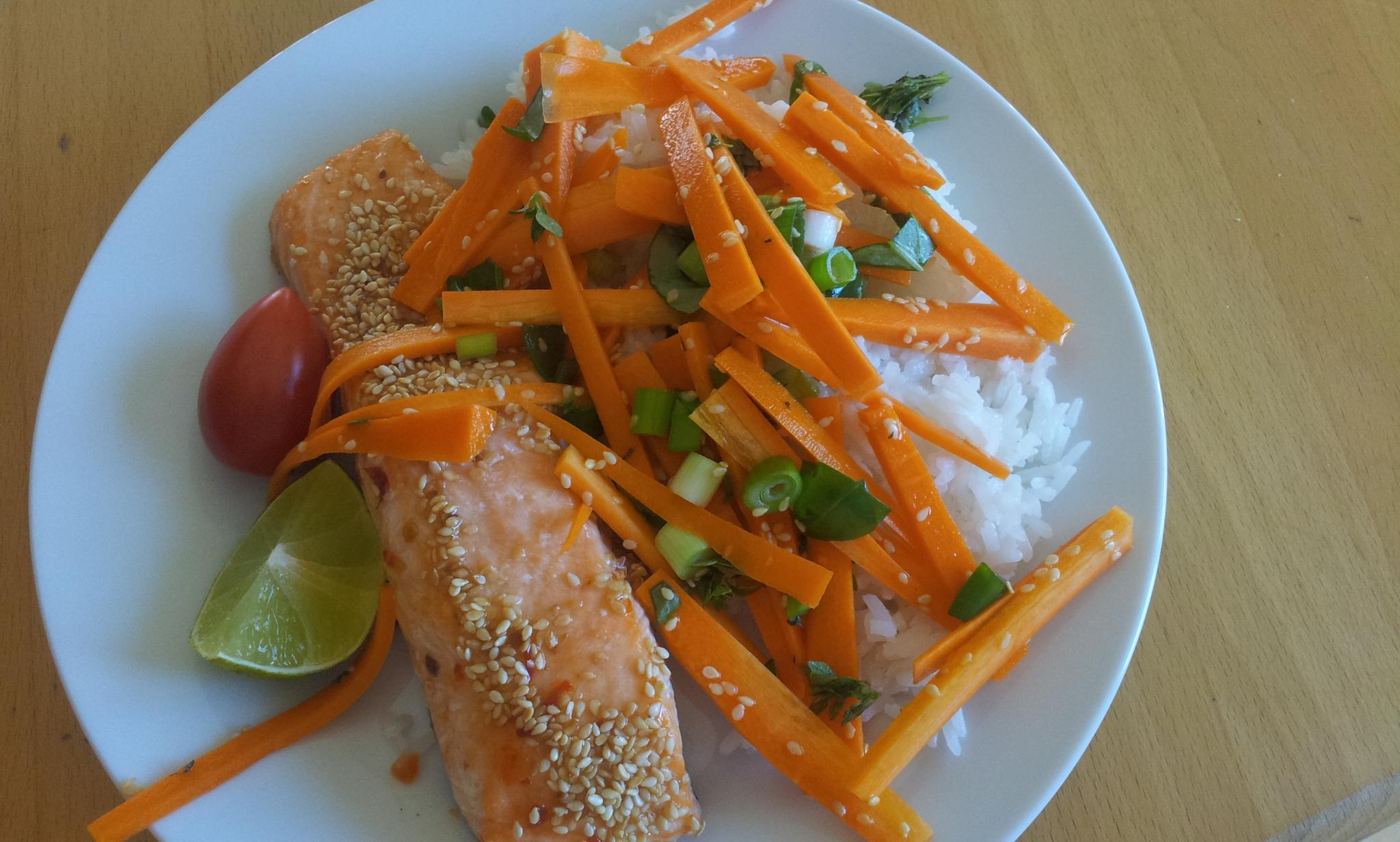 Glaserert laks og asian-salat